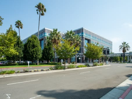 Regus Business Centre, California, Santa Clara - Techmart Center