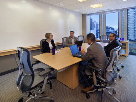 Regus Meeting Room in One Embarcadero