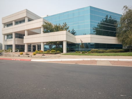 Regus Office Space, California, Roseville - Douglas Blvd