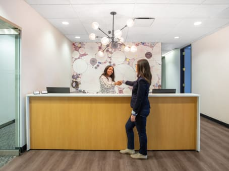 Regus Business Centre in 401 North Michigan