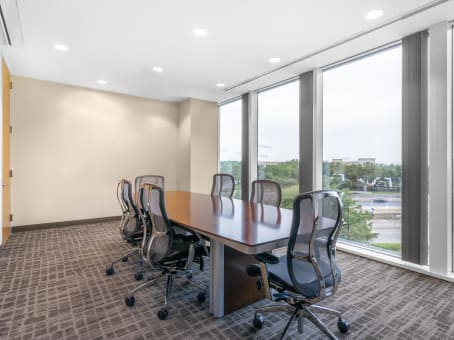 Regus Day Office in Tollway Plaza
