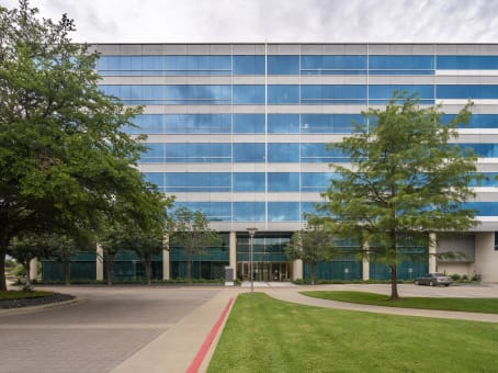 Building at 15950 N. Dallas Pkwy, Suite 400 in Dallas 1