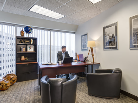Regus Office Space in Texas, Addison - Colonnade