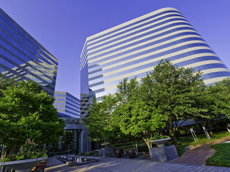 Building at 15305 Dallas Parkway, Suite 300 in Addison 1