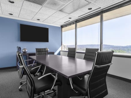 Regus Meeting Room in SouthBridge Center - view 5