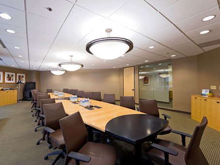 Regus Meeting Room in International Square - view 6