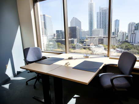 Regus Day Office in Brickell Bayview