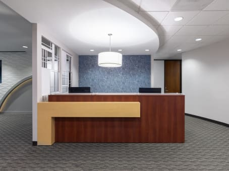 Regus Business Lounge in One Riverway