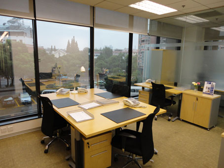 Regus Office Space in Shanghai, ShanghaiMart Hongqiao