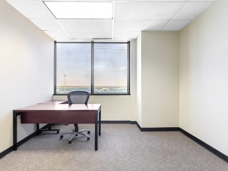 Coworking Space & Day Offices in Lake Highlands Tower - Regus USA