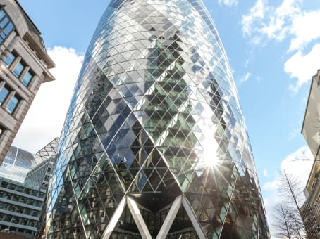 Building at 30 St Marys Axe in London 1