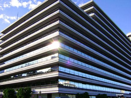 Alquiler de centros de negocios espacio de oficina con for Oficinas de american express