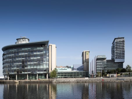 Prédio em Digital World Centre, 1 Lowry Plaza, The Quays, Salford em Manchester 1