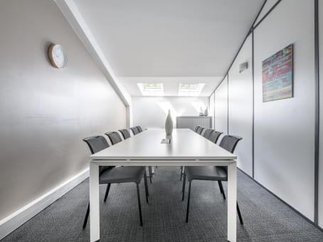 Regus Meeting Room in Paris Auteuil