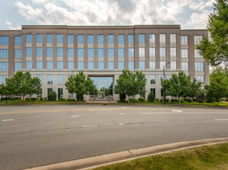 Regus Office Space, North Carolina, Charlotte - Perimeter Woods