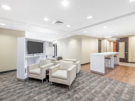 Regus Office Space in Miracle Mile Plaza