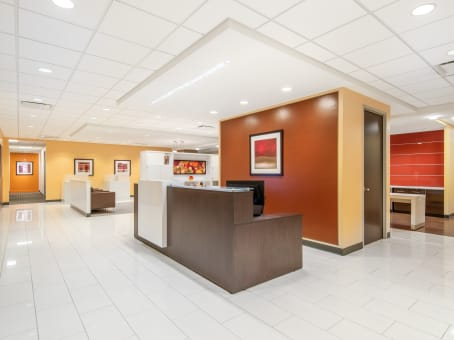 Regus Business Lounge in Prudential Tower