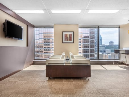 University street for Shared office space montreal