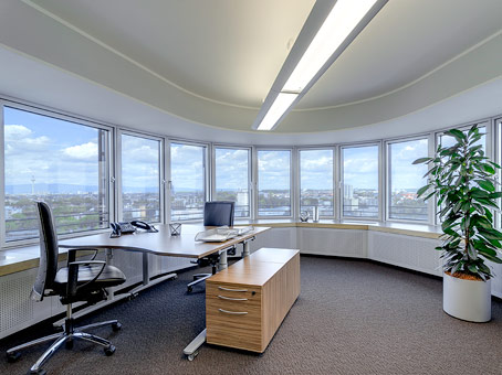 office space in frankfurt lighttower regus us. Black Bedroom Furniture Sets. Home Design Ideas
