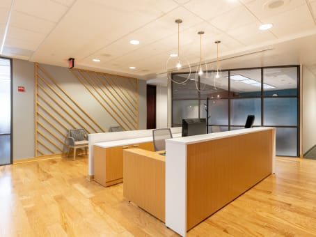 Regus Business Lounge in Two Park Square Center