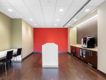 Regus Business Lounge in Landmark Conway Farms