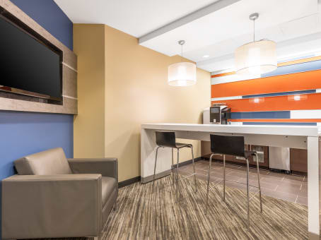 Regus Business Lounge in Southwind Office Center