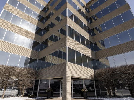 Building at 15255 S. 94th Avenue, 5th Floor in Orland Park 1