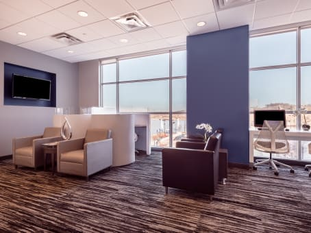 Regus Business Lounge in National Harbor