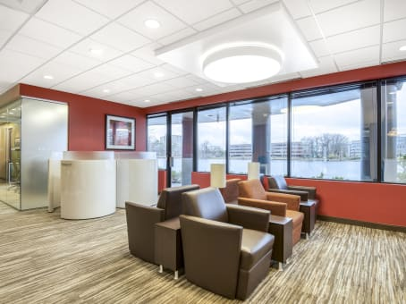Regus Business Lounge in Edgewater Place