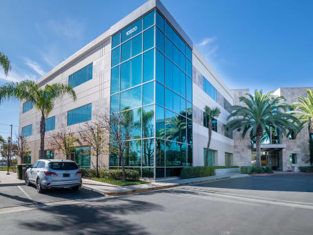 Regus Office Space, California, San Diego - Cush Plaza