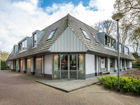 Regus Office Space, Laren