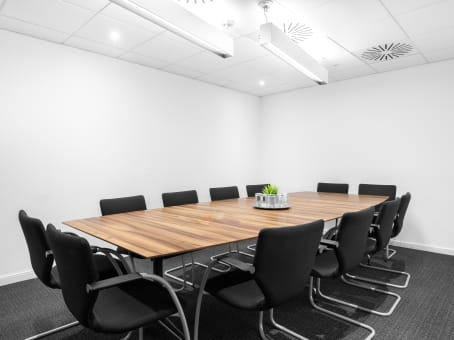 Regus Meeting Room, Beaconsfield, Beaconsfield Services, Regus Express