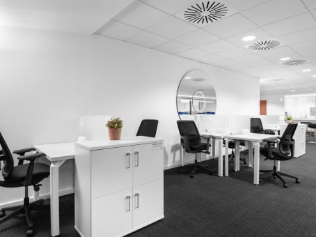 Beaconsfield, Beaconsfield Services, Regus Express
