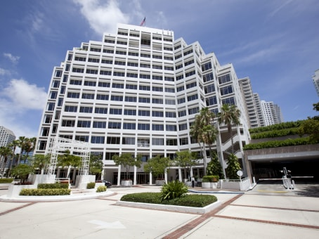 Building at 601 Brickell Key Drive, Suite 700 in Miami 1