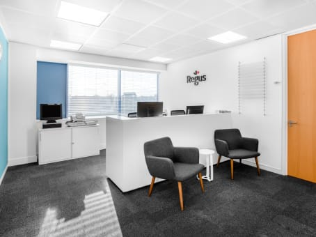 Regus Meeting Room in Crawley, Station Way - Pinnacle