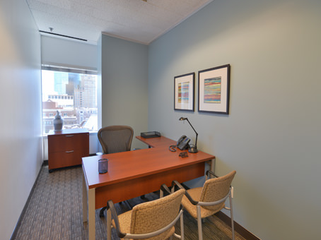 Regus Office Space in Downtown Wells Fargo Tower - view 4