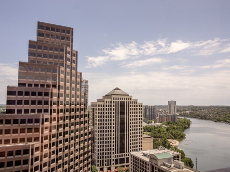 Building at 111 Congress, Suite 400 in Austin 1