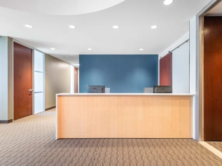 Regus Day Office in 501 W. Broadway - view 2