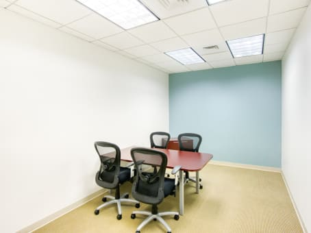 Regus Meeting Room in Tower Place 200