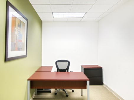 Regus Office Space in Tower Place 200