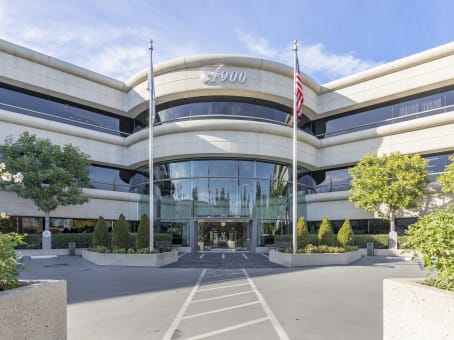 Regus Office Space, California, Woodland Hills - 21900 Burbank