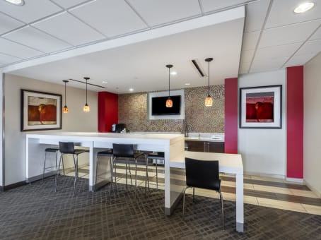 Regus Business Lounge in 888 Prospect Street