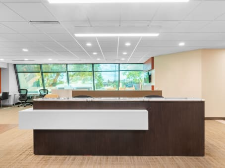 Regus Business Lounge in Fox River Mall - College Avenue