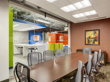 Regus Business Lounge in Showplace Square