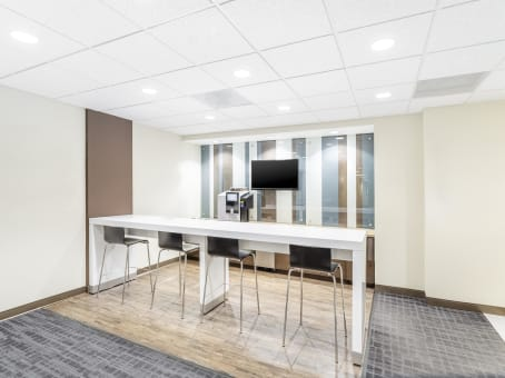 Regus Business Lounge in Briarcliff