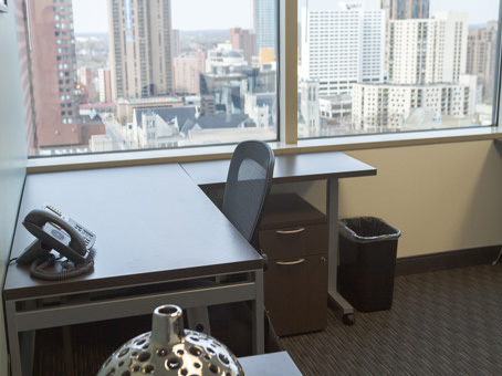 Regus Office Space in AT&T Tower