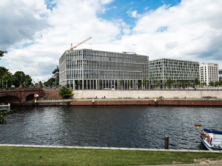 Building at Regus Berlin At the Chancellor Office, 3rd floor, Rahel-Hirsch-Strasse 10 in Berlin 1