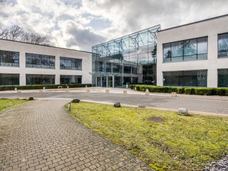 Regus Meeting Room, Chertsey Hillswood Business Park