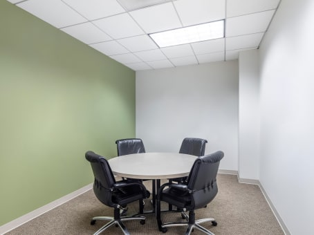 Regus Business Lounge in Sterling Pointe (Office Suites Plus) - view 7