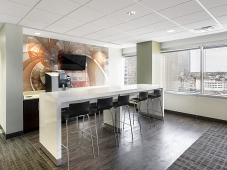 Regus Office Space in Sun Trust Center Downtown